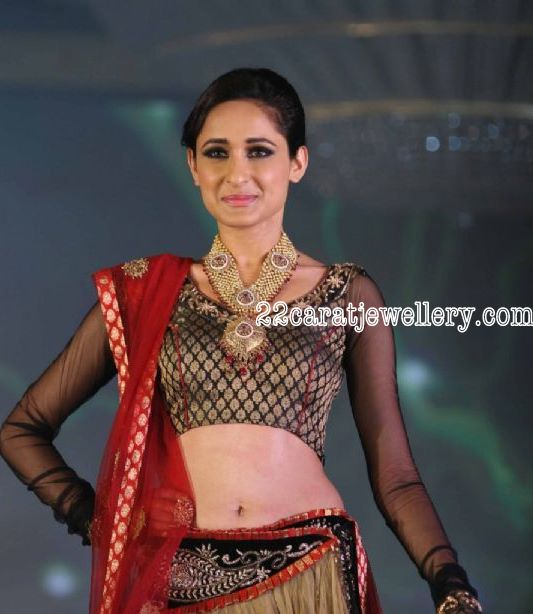 Gold Antique Long Chain at Final IIJW - Jewellery Designs