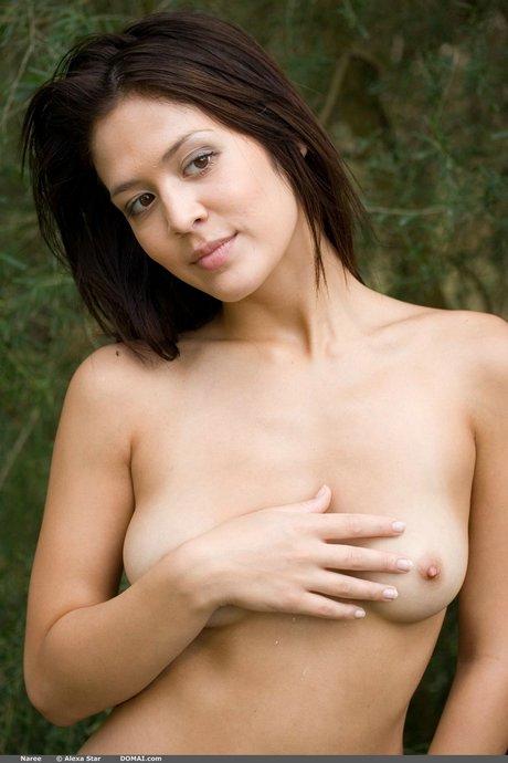 photos of nude women washing cars