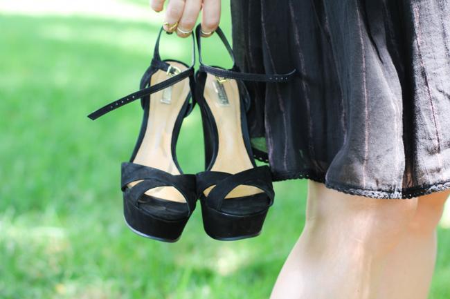 Schutz Black Sandals