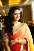 Sri Mukhi glamorous photo shoot-thumbnail-20