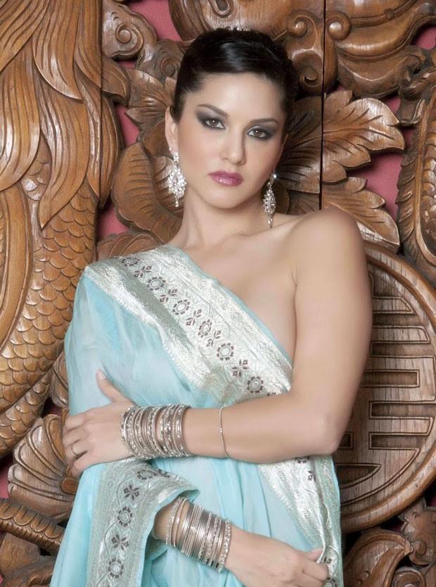 Sunny Leon Spicy In Saree Photo Set Eyes Cinema