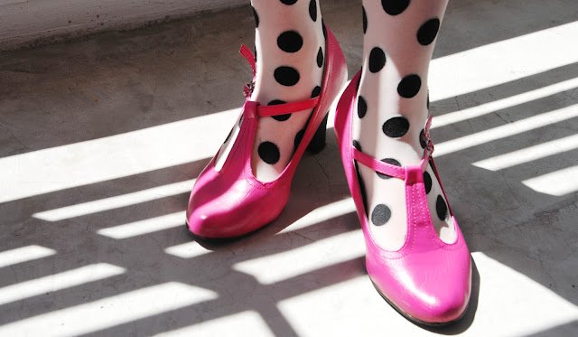 pink shoes, polka dot tights, mary jane, shoes