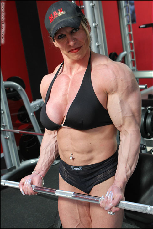 Roberta Tuor Zazzaron Female Muscle Bodybuilding Blog FTVideo