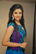 Sri Mukhi latest Photos at Muse Arts Gallery-thumbnail-16