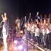 Η συναυλία του Βασίλη Παπακωνσταντίνου με την Παιδική-Νεανική Χορωδία και την Ορχήστρα Νέων του Δήμου Λαυρεωτικής