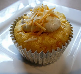 http://www.eat8020.com/2010/09/20-cornbread-cupcakes-with-chile-cheese.html