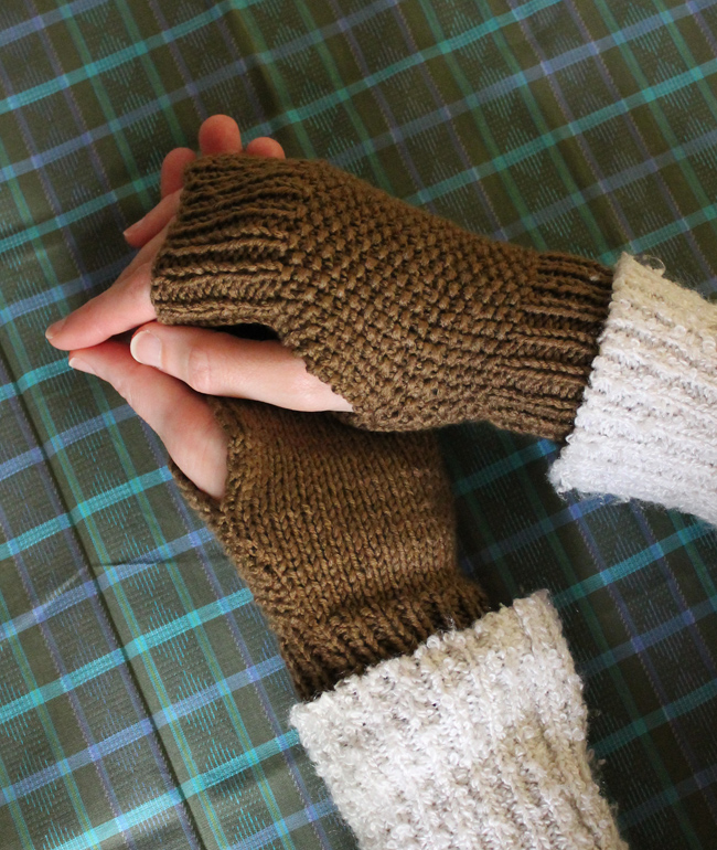 Knitting Patterns For Fingerless Gloves With Mitten Cover : Lula Louise: Free Knitting Pattern   Fingerless Knitted Mitts