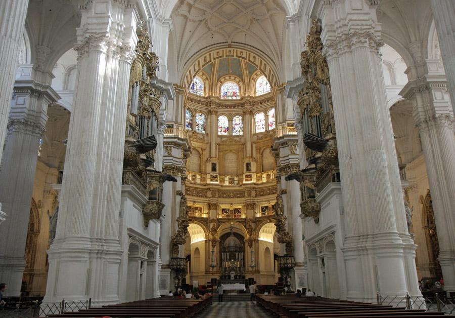 L`ESPAGNE – MOEURS ET PAYSAGES - avec les traditions catholiques de ce pays Spain10-granada+chathedral