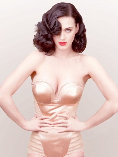 http://raredelights.com/wp-content/uploads/2011/05/Katy-Perry-Covers-Vanity-Fair-June-2011-1.jpg
