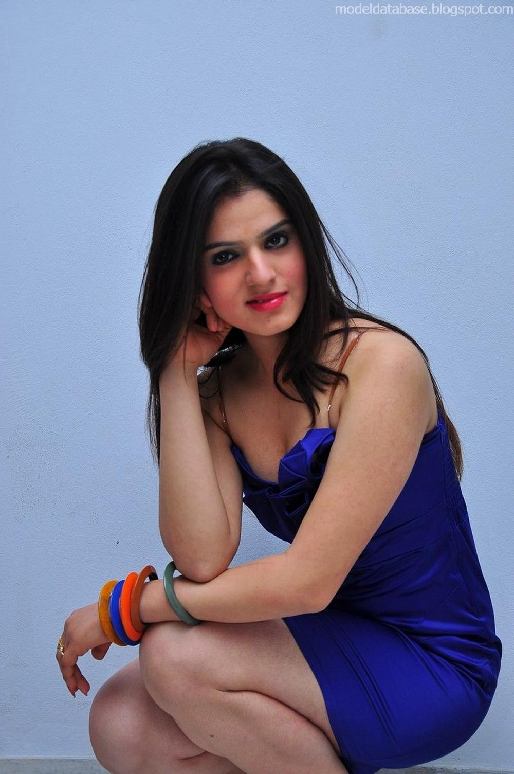 Shefali Sharma stunningly hot thigh show in a very tight blue dress HQ ...