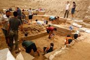 Arqueólogos fazem 'descoberta inédita' de cemitério filisteu em Israel56  BBC 10/07/201618h20  Ouvi