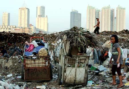 masalah sosial di dalam masyarakat Bab i pendahuluan i1 latar belakang ilmu sosial dasar adalah pengetahuan yang menelaah masalah-masalah sosial, khususnya yang diwujudkan oleh masyarakat indonesia dengan menggunakan pengertian-pengertian (fakta, konsep, teori) yang berasal dari berbagai bidang pengetahuan keahlian dalam lapangan ilmu-ilmu social seperti .