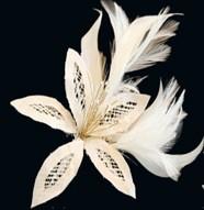 tocado de boda de plumas