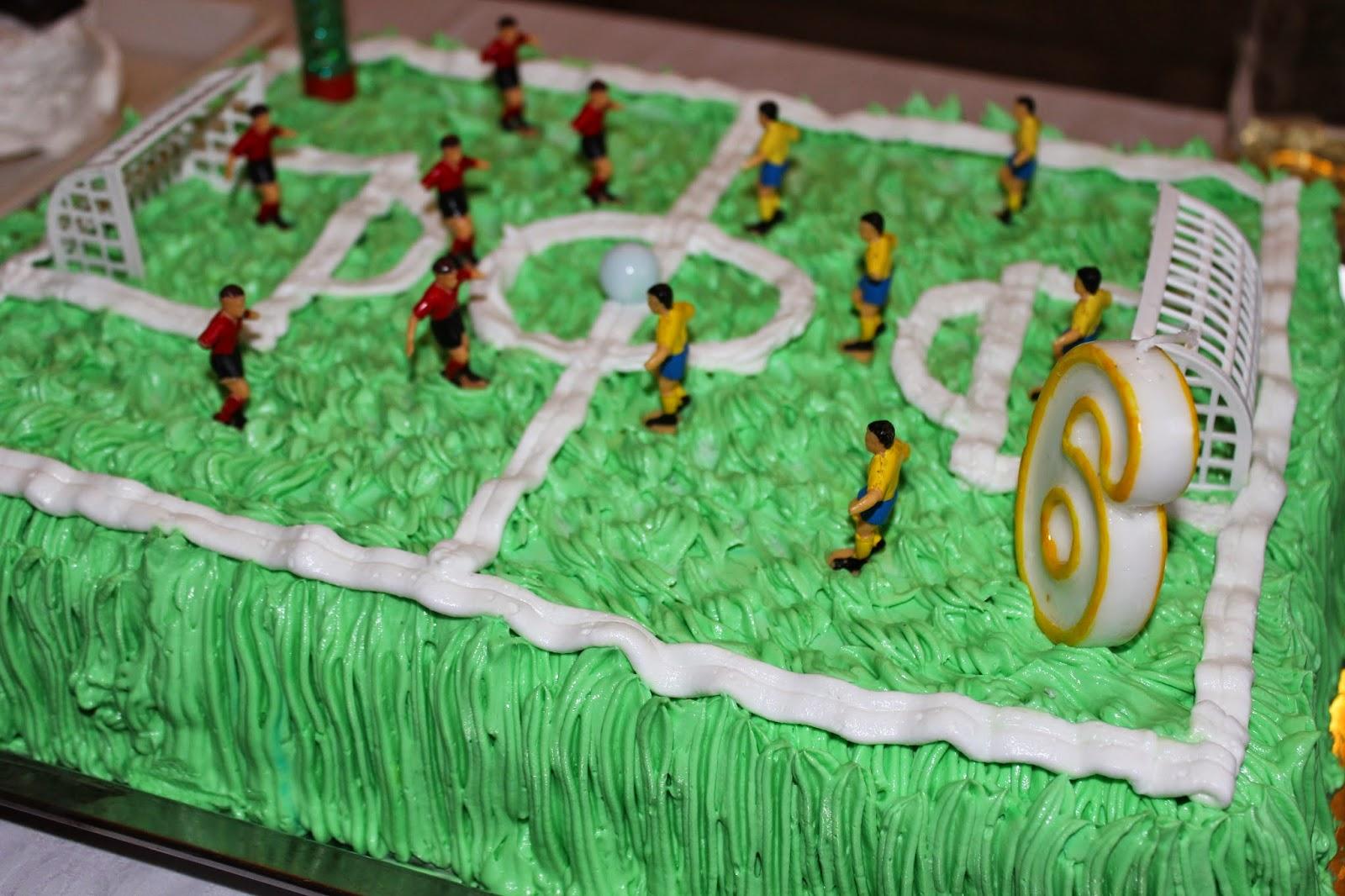 Fudbalski teren torta