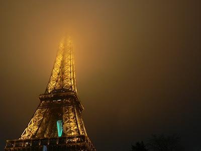 Ciudades conquistadas por la niebla - Torre Eiffel