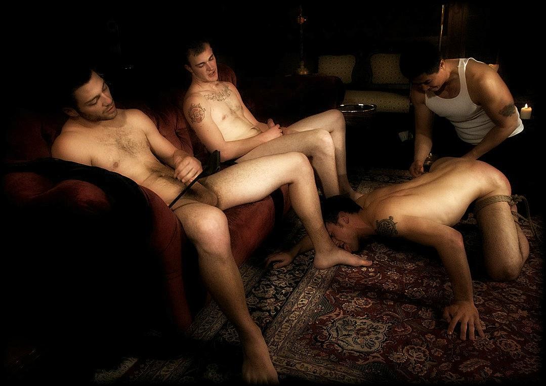 Рабыня ноги господина 4 фотография