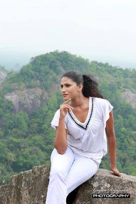 Srilankan actress sexy image