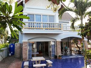 The beach house ติดทะเล ทำครัวปิ้งย่าง ฟรีคาราโอเกะ