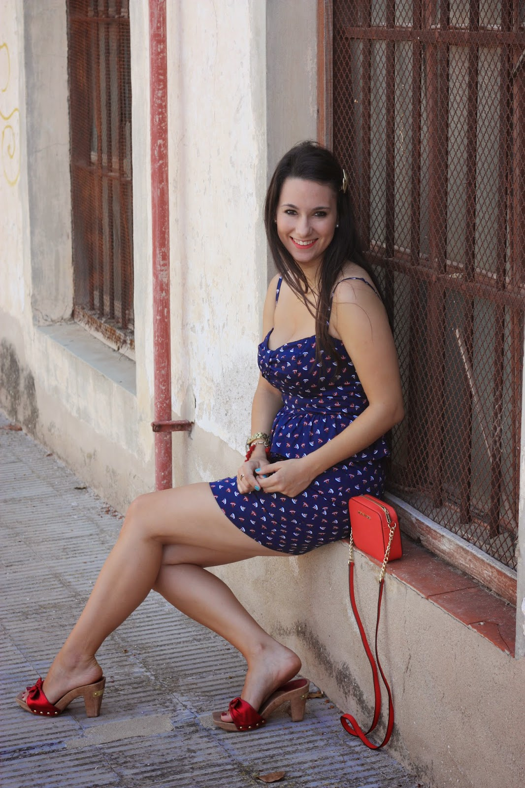 http://silviparalasamigas.blogspot.com.es/2014/06/vestido-barcos-de-blanco.html