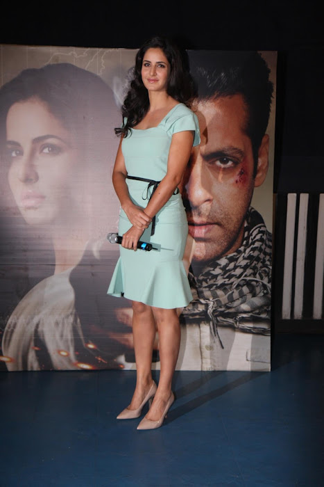 "katrina kaifsalman khan promoting ""ek tha tiger"" at mumbai. hot images"