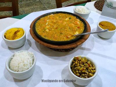 Restaurante Ki-Mukeka: Bobó de Camarão com Acompanhamentos