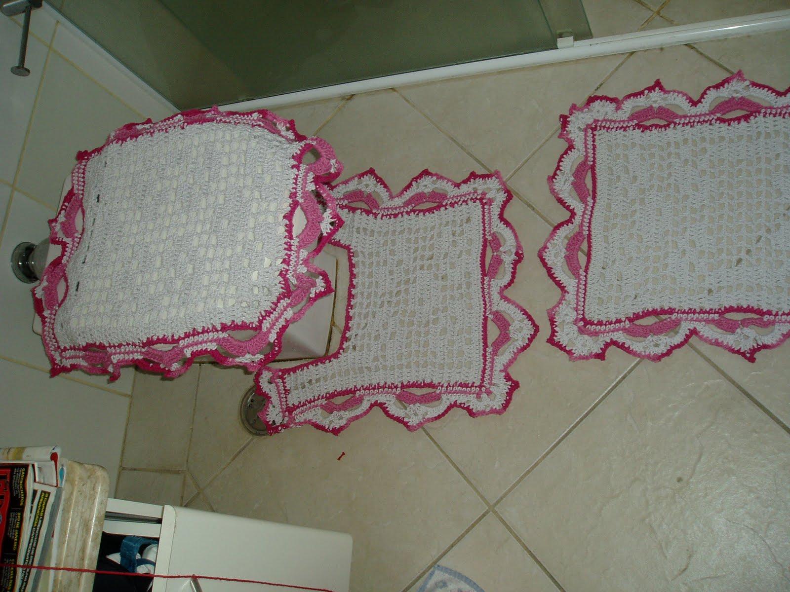 Tecendo Receitas: Jogo de banheiro em croche file branco e rosa #712E40 1600x1200 Banheiro Branco E Rosa