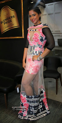 Actress-Sameera-Reddy-Latest-Stills