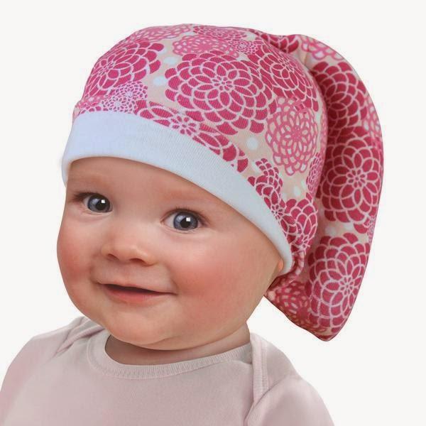 foto bayi pakai topi lucu