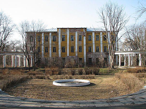 Усадьба Пехра-Яковлевское располагается в г. Балашиха на Шоссе Энтузиастов.  Проезд:На автомобиле проехав по...