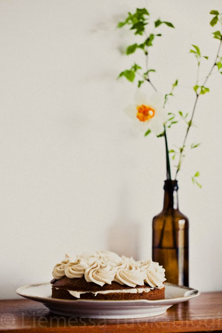 täytekakku ruusupursotuksella