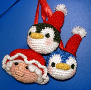 http://amigurumibb.files.wordpress.com/2013/04/christmas-ornaments-part-ii.pdf