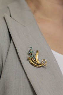 Julia Bobbin, vintage brooch
