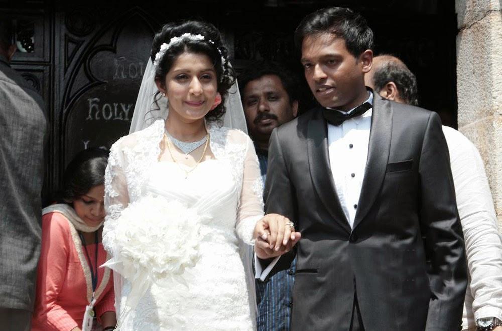 Meera Jasmine Anil Josh Wedding Photos Gallery Photo 4 Telugu