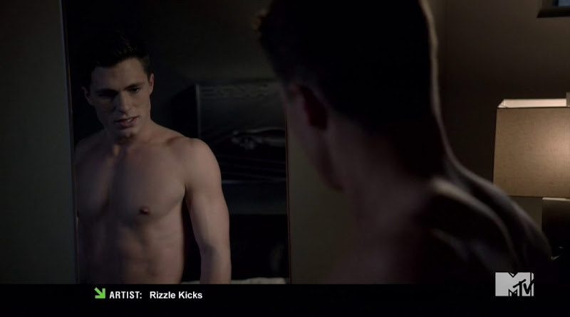 Colton Haynes Shirtless in Teen Wolf s2e02