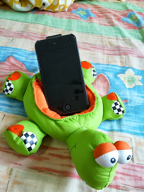 Turtle phone holder