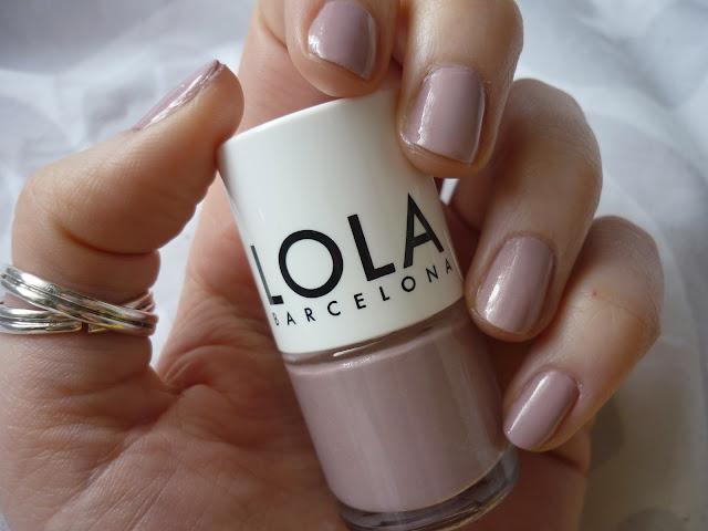 Lola Barcelona - Born