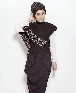 Busana Muslim Modern Dian Pelangi