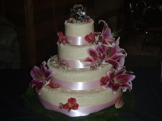 pastel de tres niveles la nueva tendencia para pasteles flores de