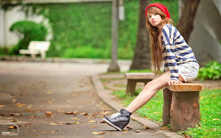 Girl waiting beautiful red lips hd wallpaper