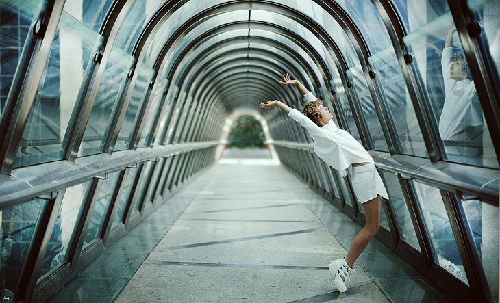 fashion photography, blogger das sheep, la Défense, total white look