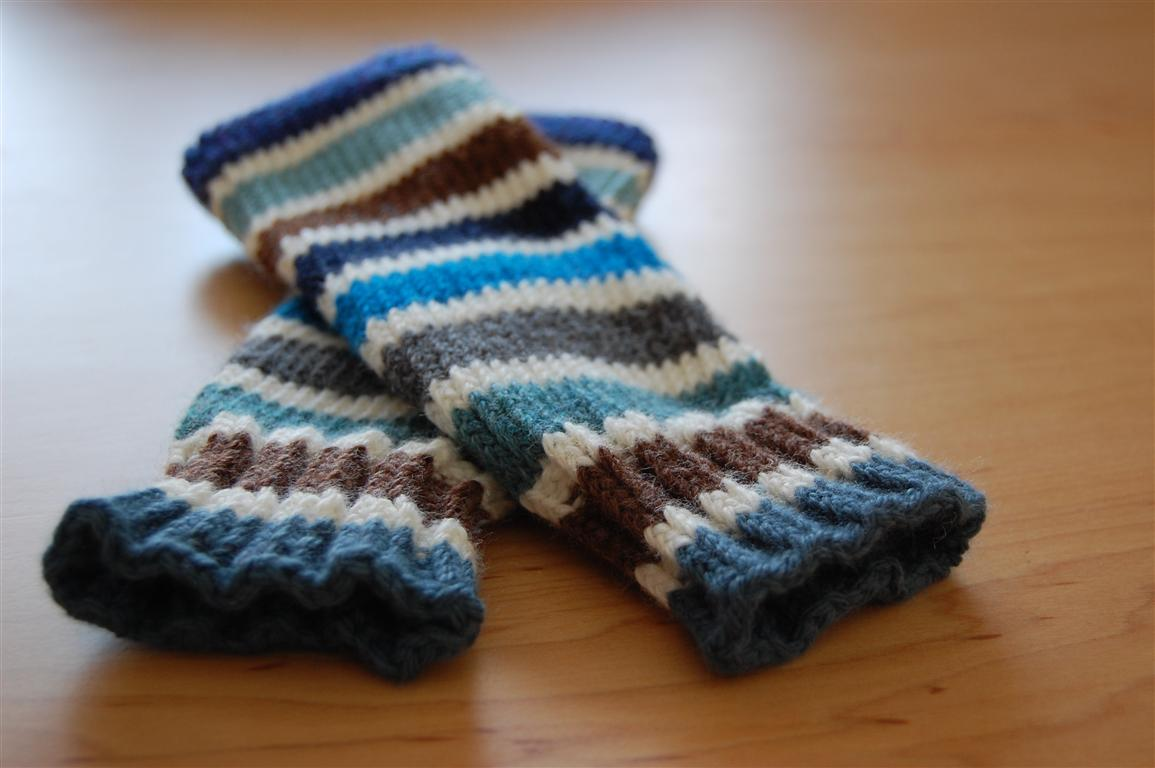 Knitting A Baby: Lots of Leg Warmers