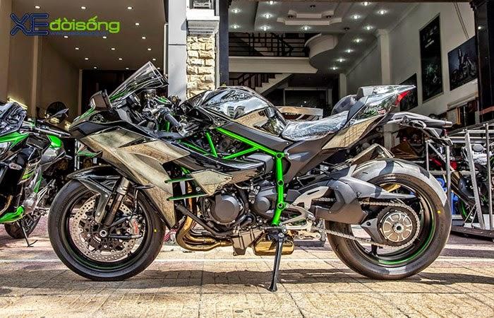 Kawasaki Ninja H2 giá tiền tỉ gây sốc làng mô tô Việt Nam