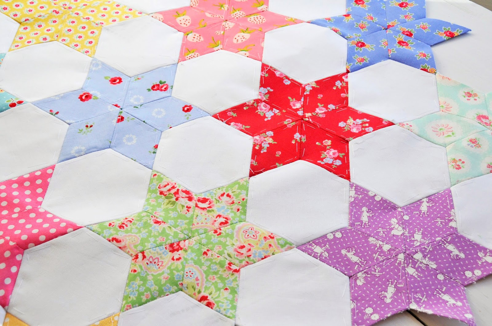 English Paper Piecing On Pinterest Star Quilts Hexagons
