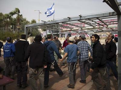Adiada a demolição de Sinagoga na Cisjordânia