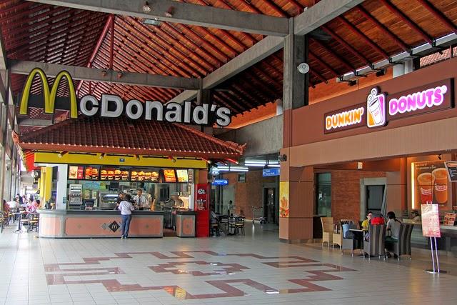 McDonald,Bali,ngurah rai,franchise,globalisasi