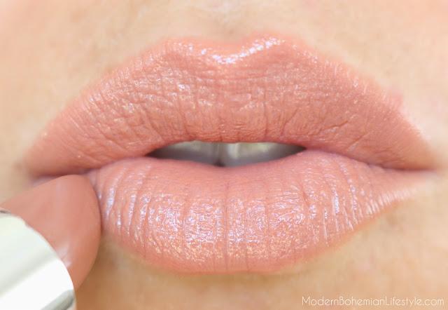 Red Apple Lipstick Beachside