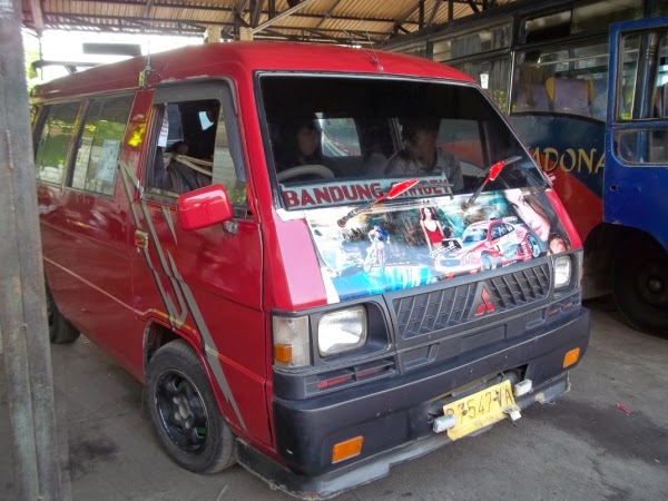 L 300 dari Leuwi Panjang ke Ciwidey
