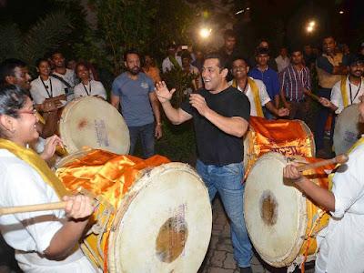 Salman Khans Ganesh Vissarjan photos