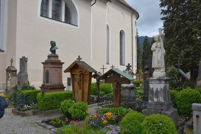 Pfarrkirche St Peter Paul Oberammergau Cemetery