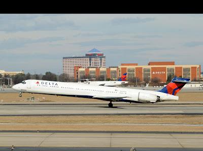 Boeing MD-90 da empresa Delta Airlines.